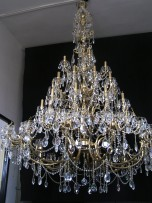 The large 65 arms Cast brass crystal chandelier