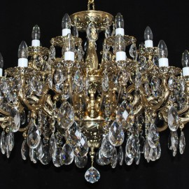 The solid 18 arms Cast brass crystal chandelier